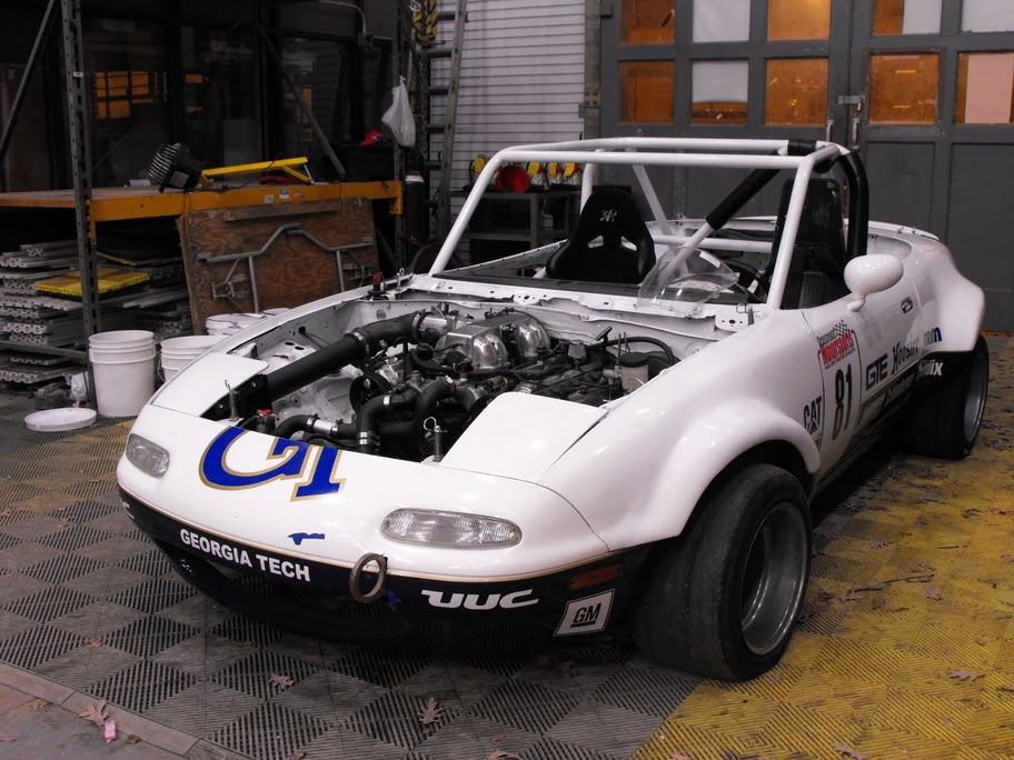Wreck Racing Mazda Miata with a Toyota 1UZ V8