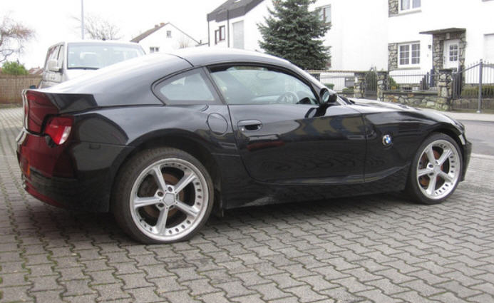 BMW Z4 with a Viper V10