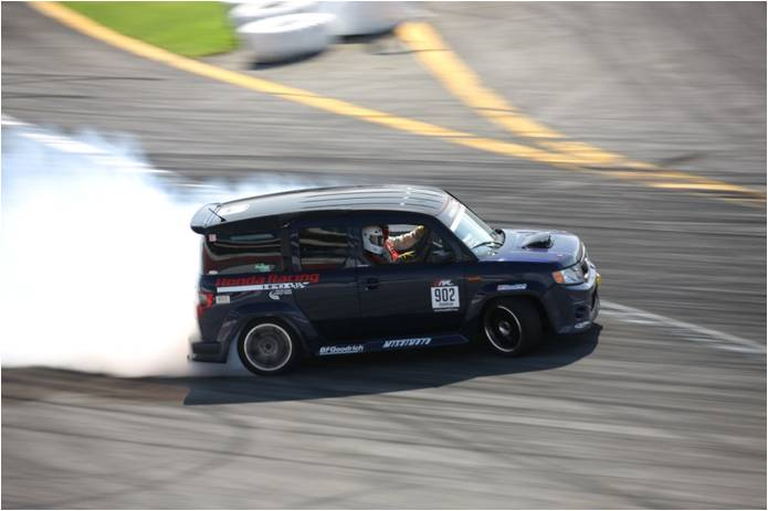 Drift Honda Element with a Twin-turbo Acura V6