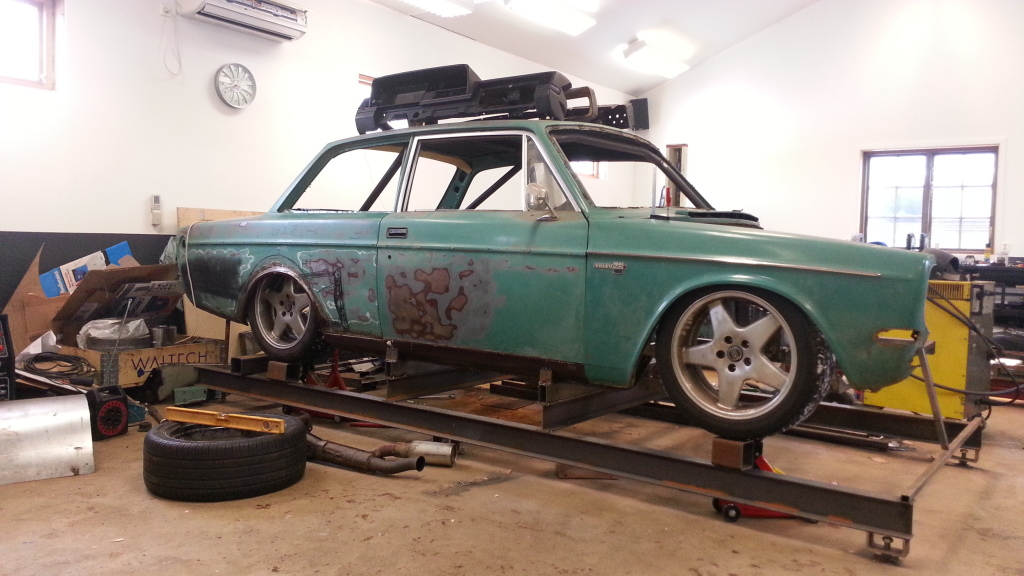 volvo_142_with_four_rotor_01