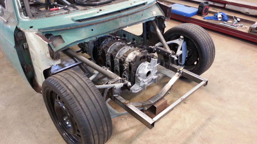 Four-rotor Volvo 142 – Engine Swap Depot