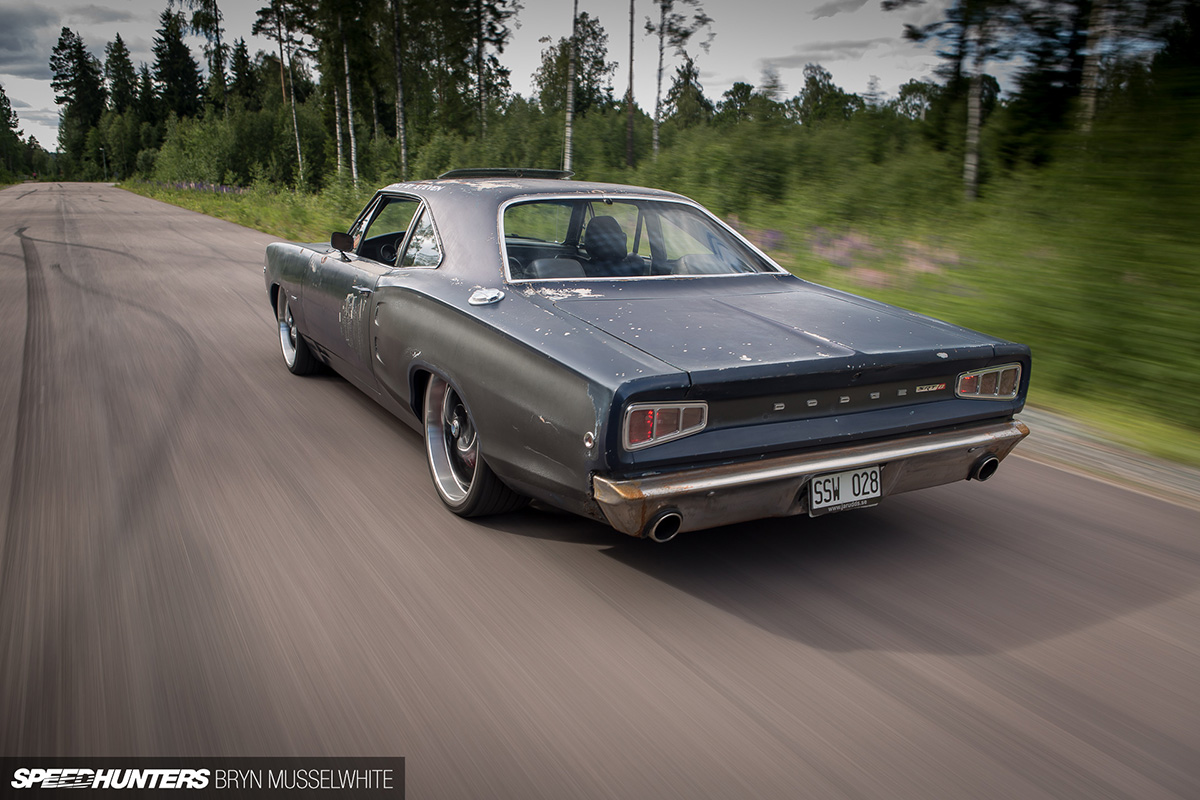 1968 Dodge Coronet With A Srt8 Hemi 02 Engine Swap Depot