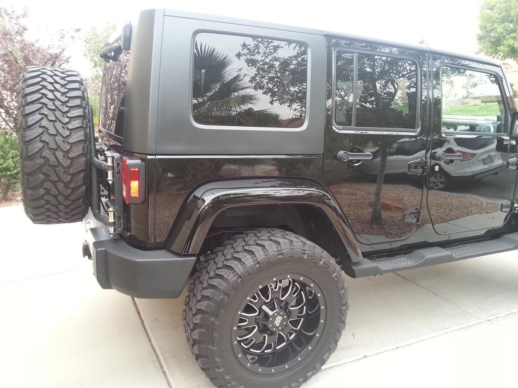 2008 Jeep JK Wrangler Unlimited with 6.1L Hemi V8