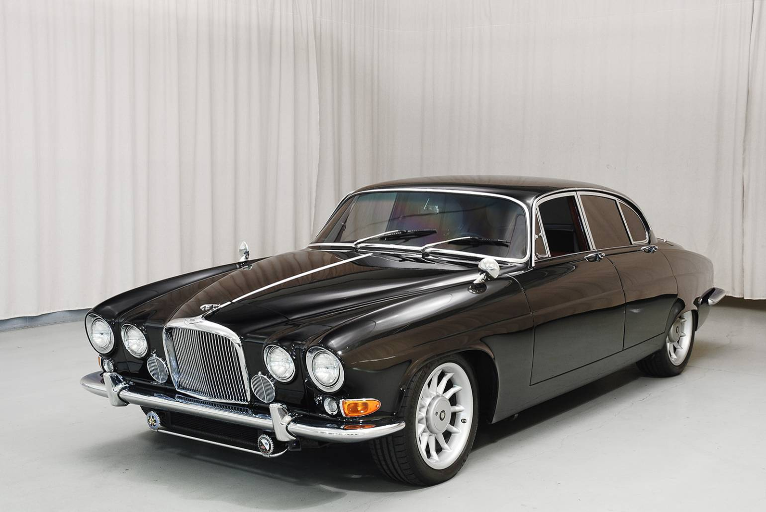 1966 jaguar mark x with a modern xjr