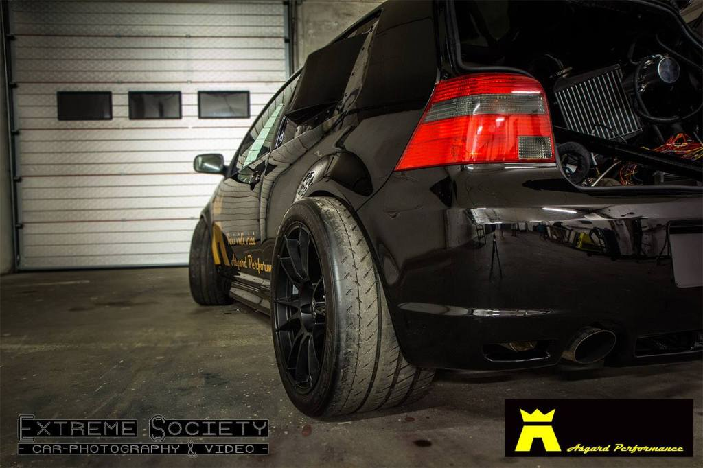 VW Golf Mk4 R32 with twin-turbo Lamborghini Gallardo V10