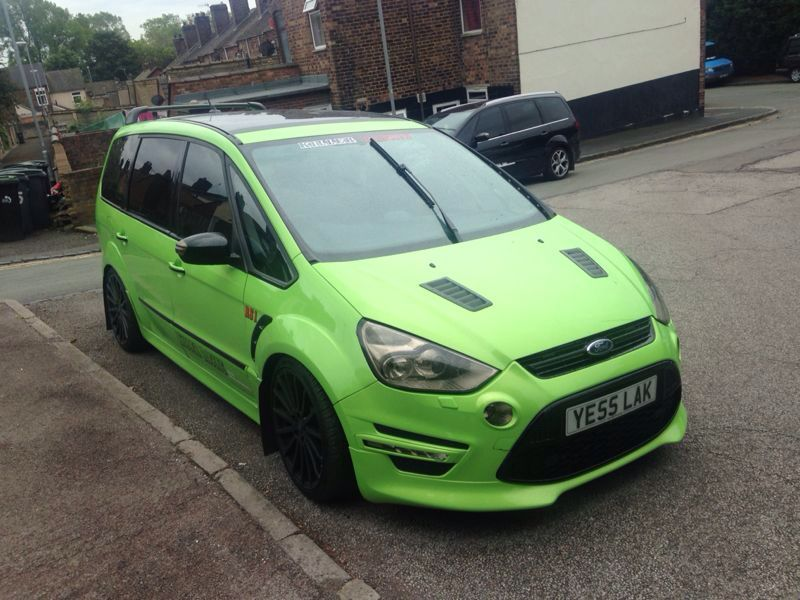 Ford-Galaxy-with-Ford-Focus-RS ...