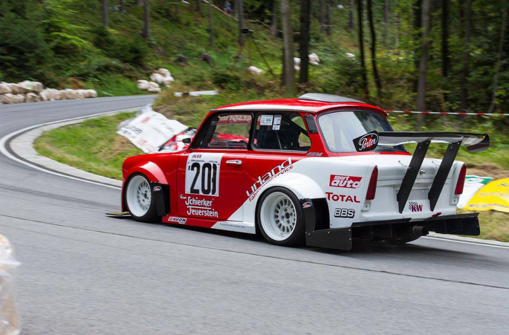 Race Cars For Sale >> Trabant With A Honda Engine In The Back - engineswapdepot.com