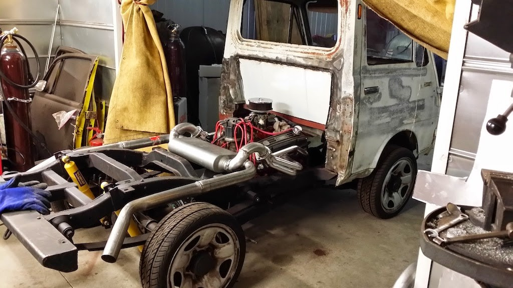 1970 Daihatsu Hijet Powered by a Mid-engine V8 – Engine Swap Depot