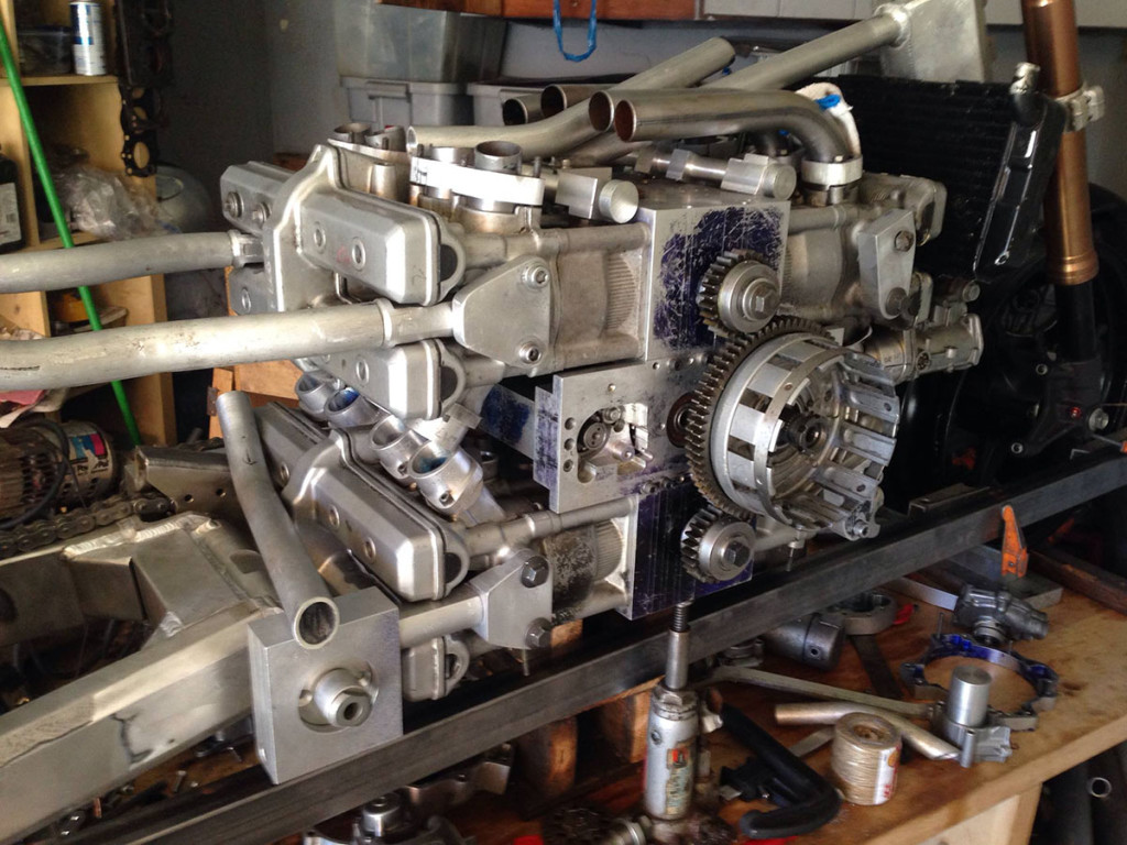 Four Yamaha YZF600 Engines Into One H16 Engine