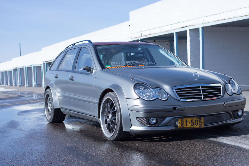 Black Smoke Racing Mercedes W203 drift wagon with OM648 diesel I6
