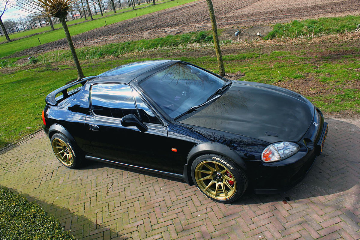 honda civic del sol with a mid