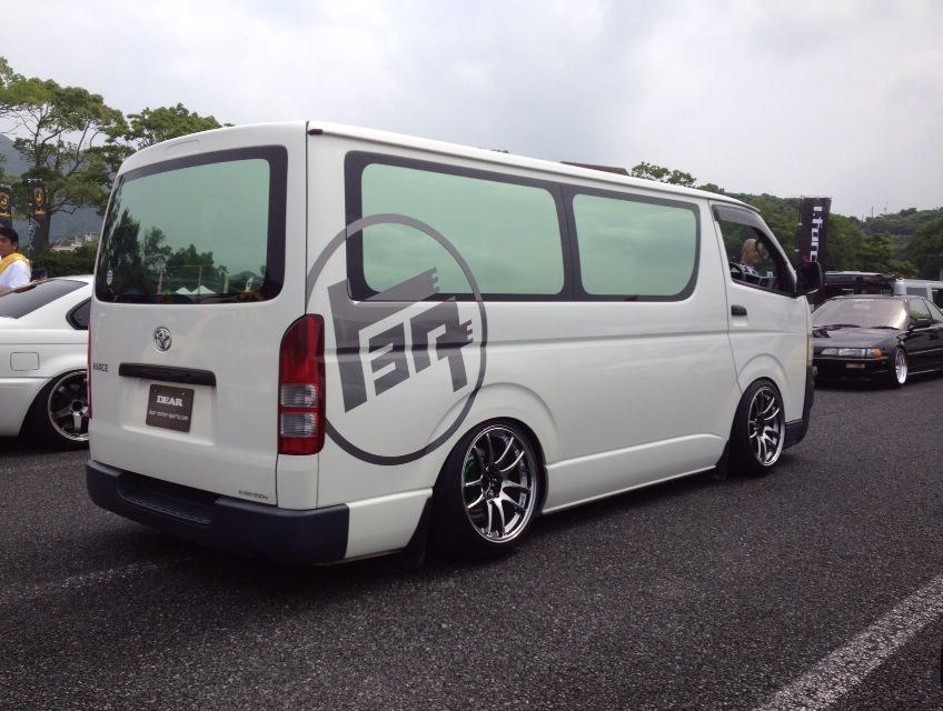 Toyota HiAce with a Nissan SR20DET