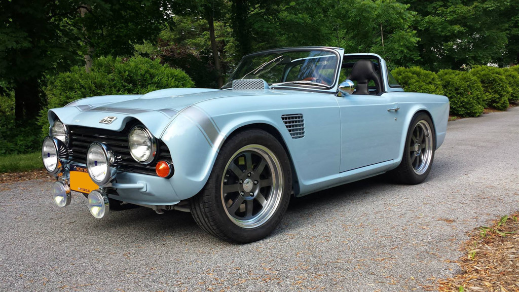 Triumph TR250 with a LS2