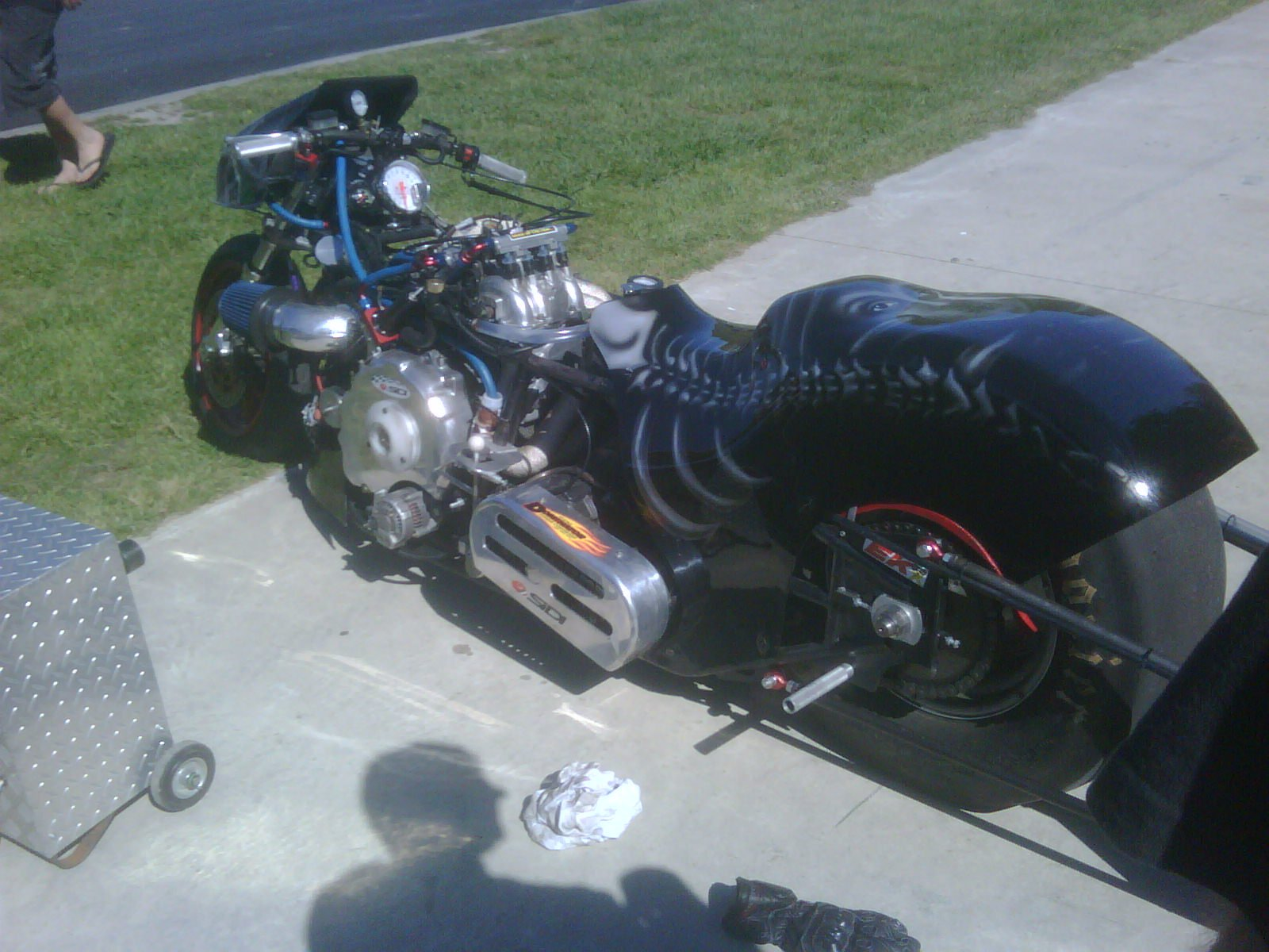 Drag Motorcycle with a 600 HP Twin-turbo Rotary – Engine