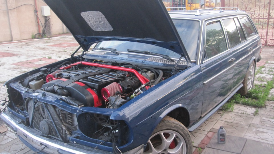 Mercedes W123 Wagon With A 7 3 L V12 Engine Swap Depot