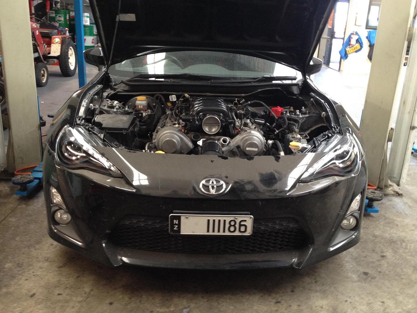 Toyota 86 with a 1UZ-FE V8 – Engine Swap Depot