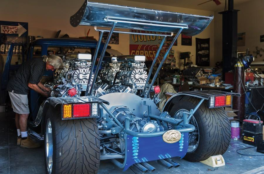 1962 Ford Econoline Truck With Four Supercharged V8s €� Engine Swap