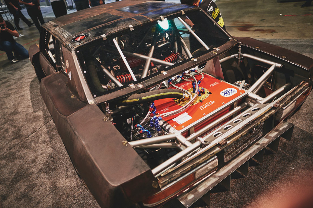 Rusty Slammington Reborn BMW E28 with S38 inline-six