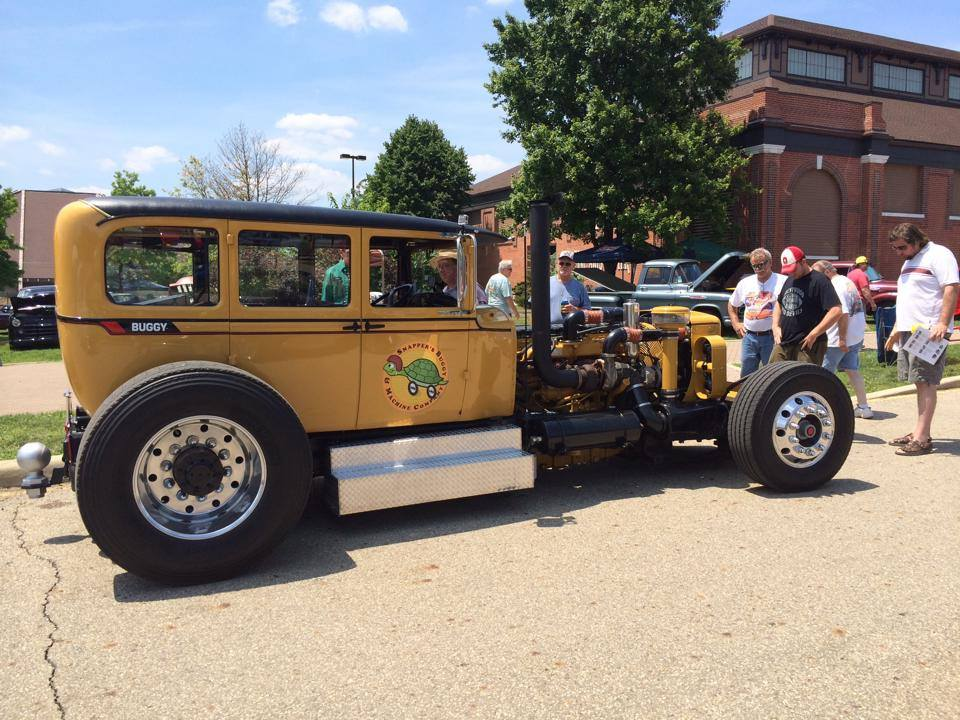 Snapper's Caterpillar Buggy 1928 Studebaker Commander with a CAT C12 diesel I6