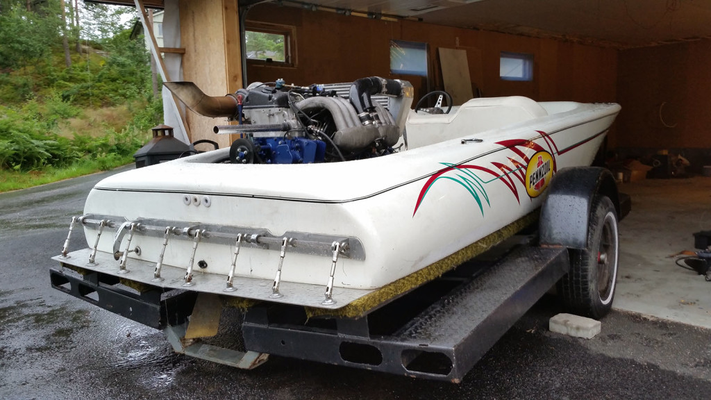 Ski Boat with a Mercedes OM606 Turbo Diesel