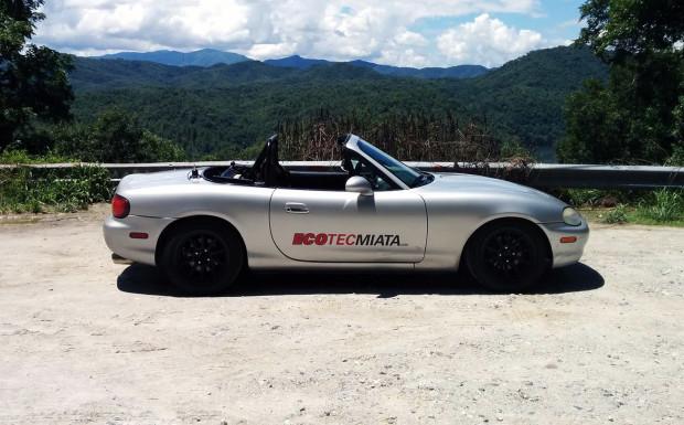 2000 Mazda Miata with 2.4 L LE5 Ecotec