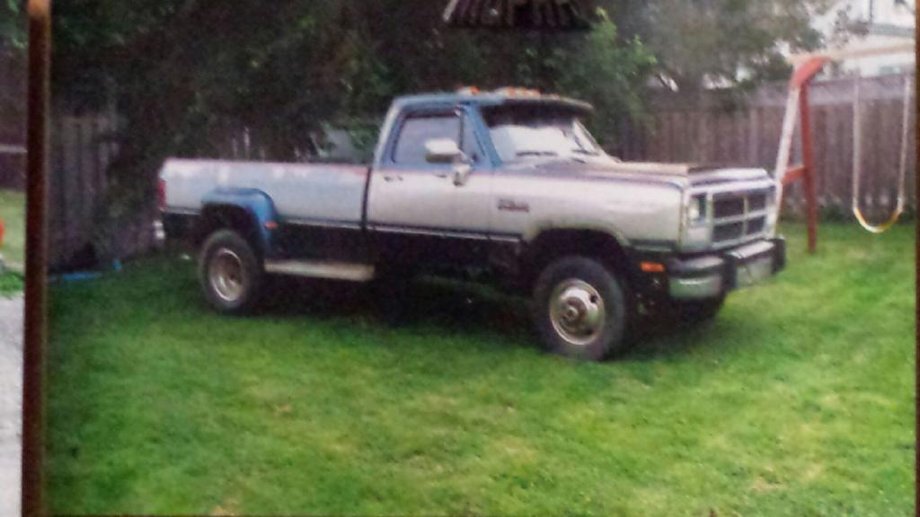 1985 Dodge Ram with a 5.9 L mins – Engine Swap Depot