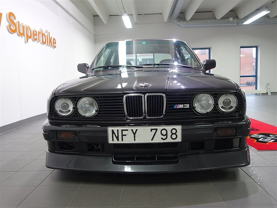Bmw E30 M3 With A M5 V10 Engine Swap Depot