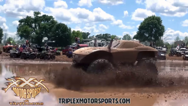 1963 Corvette Stingray custom mud bogger with a 572 ci big-block Chevy V8