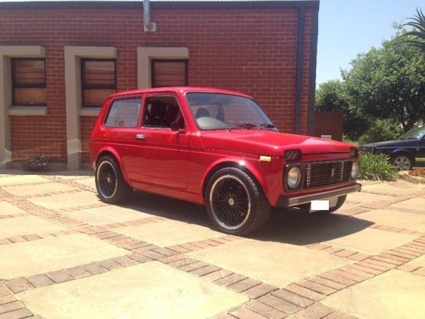 Lada Niva with a 2JZ-GTE and Supra automatic transmission