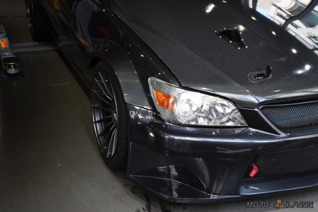 Lexus IS200 with a 3S-GE BEAMS inline-four