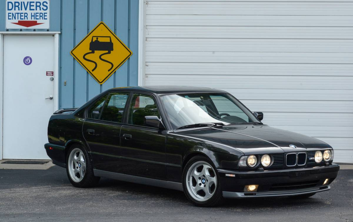 Bmw E34 M5 Www Imgkid Com The Image Kid Has It
