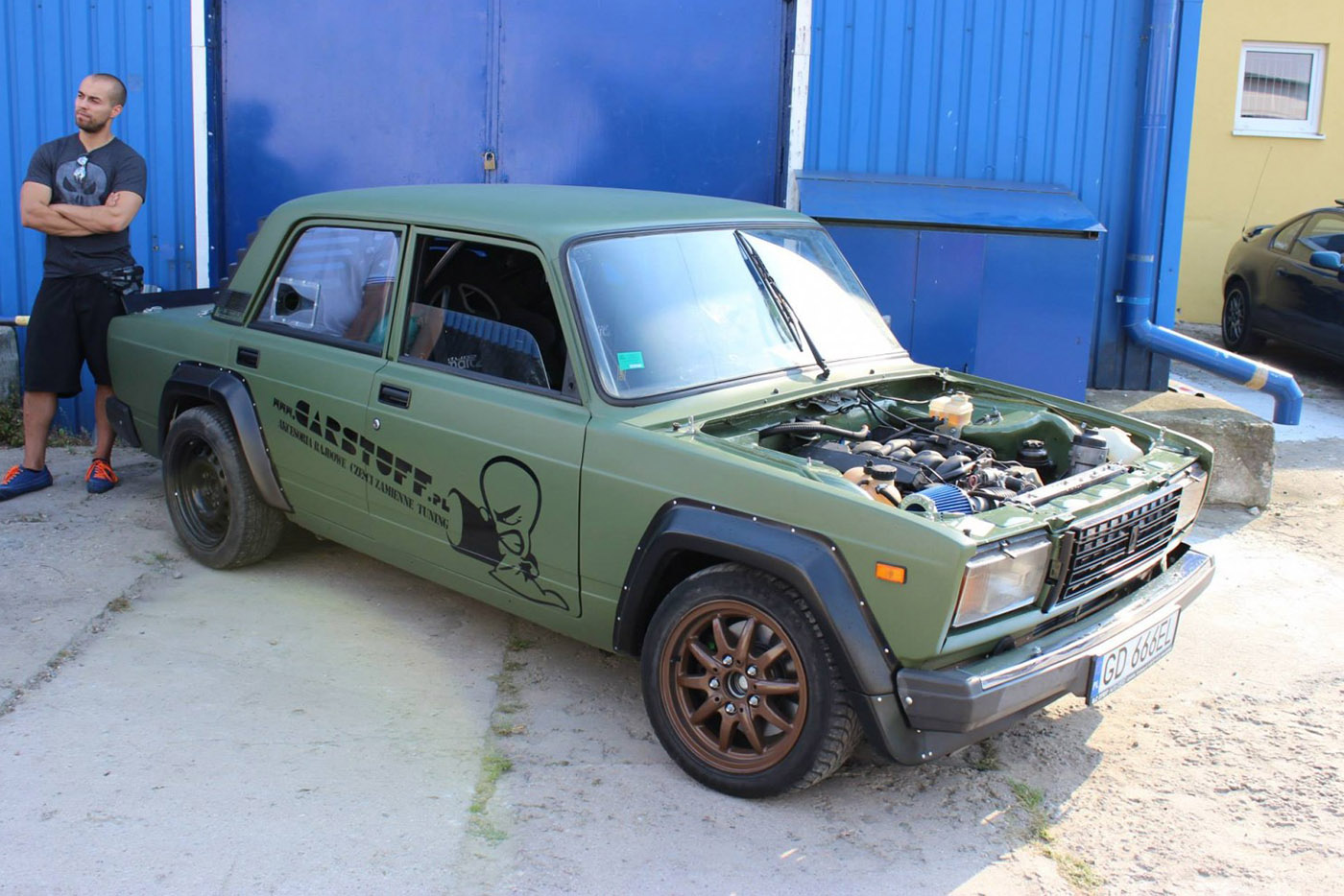 Lada 2107 With A Bmw V8 Engineswapdepot Com