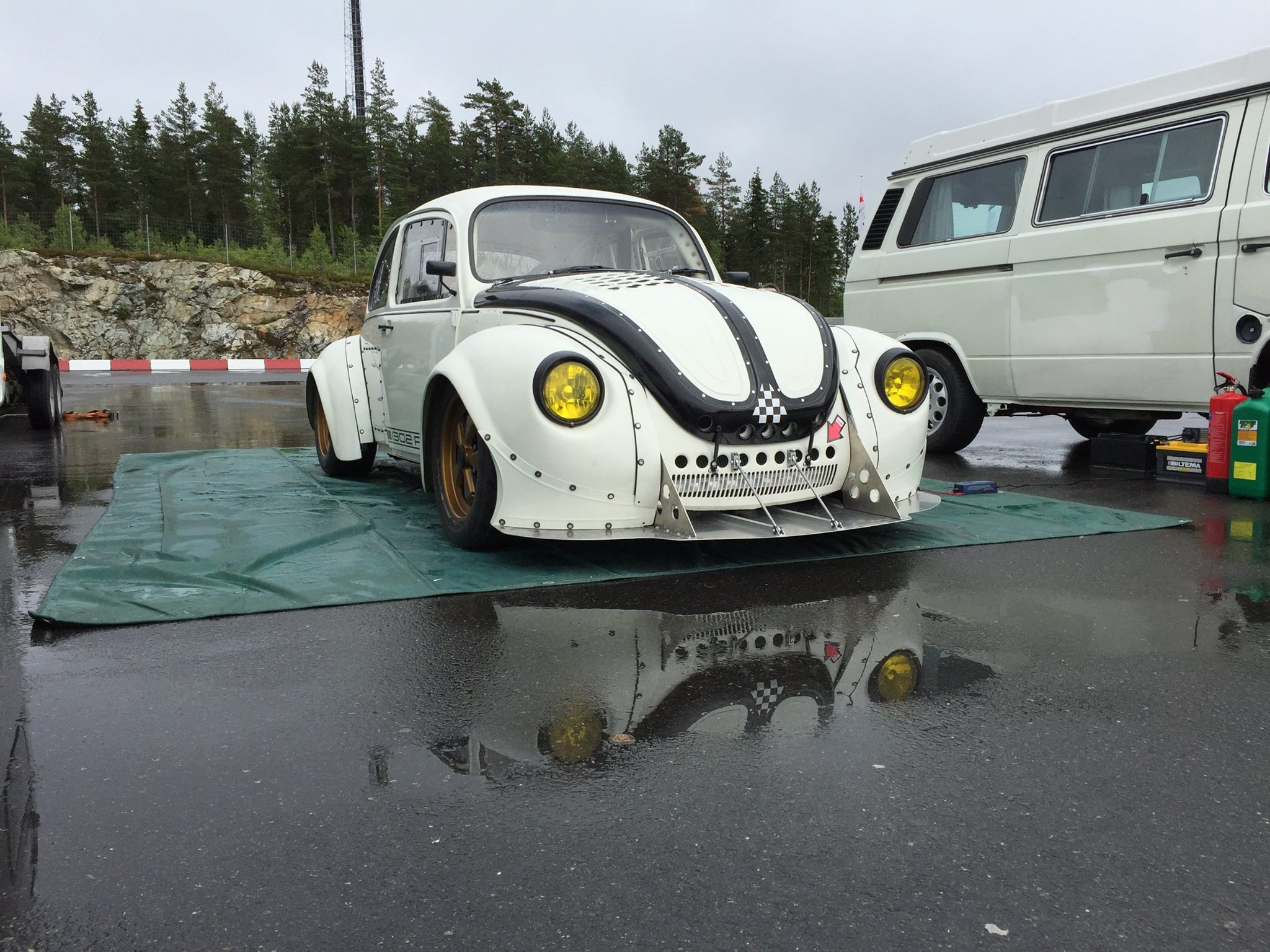 1971 Vw Beetle With A Honda Cbr1000rr Inline Four