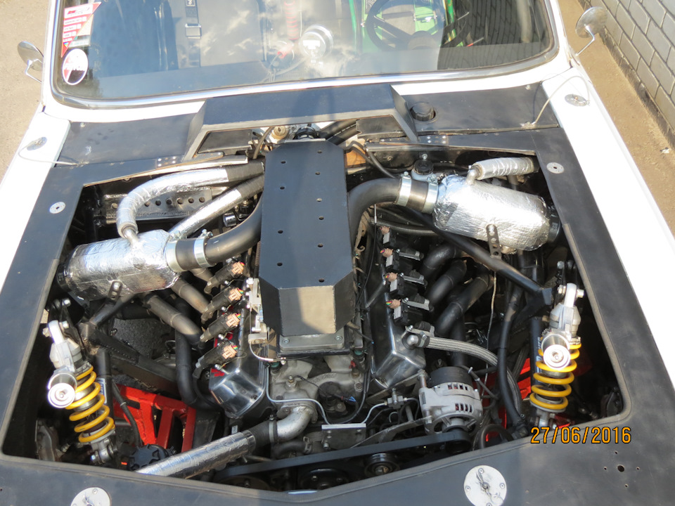 Gaz 24 With A Twin Turbo Ford V8 Engine Swap Depot