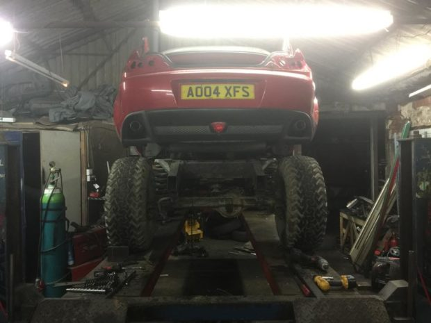 Mazda RX-8 on a Land Rover Discovery Series 1 chassis