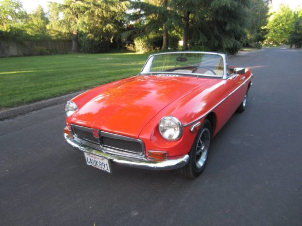 1971 MGB with a Ford 5.0 L V8