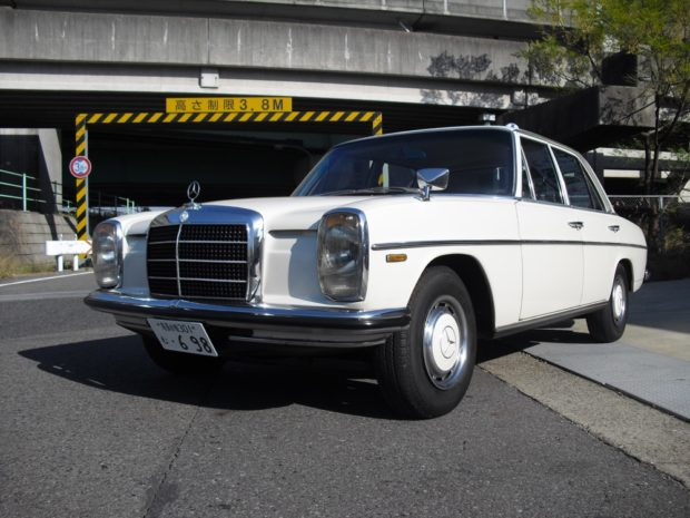 1974 Mercedes-Benz W114 with a 1JZ-GE