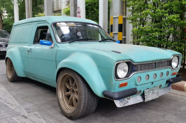 Ford Escort Van with a 2JZ-GTE inline-six