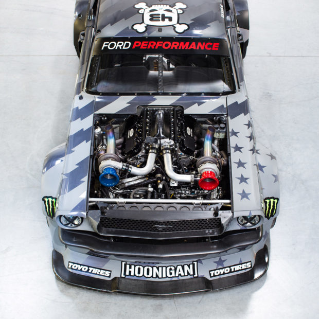 Hoonicorn V2 1965 Mustang twin-turbo Roush V8