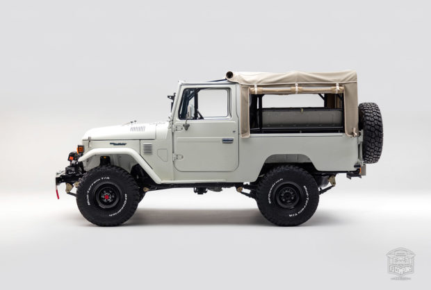 1982 Toyota Land Cruiser FJ43 with a 4.5 L 1FZ-FE inline-six