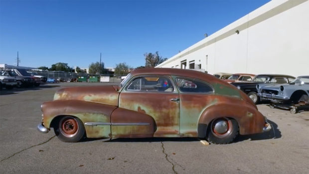 1946 Oldsmobile Series 70 with a Big-block V8