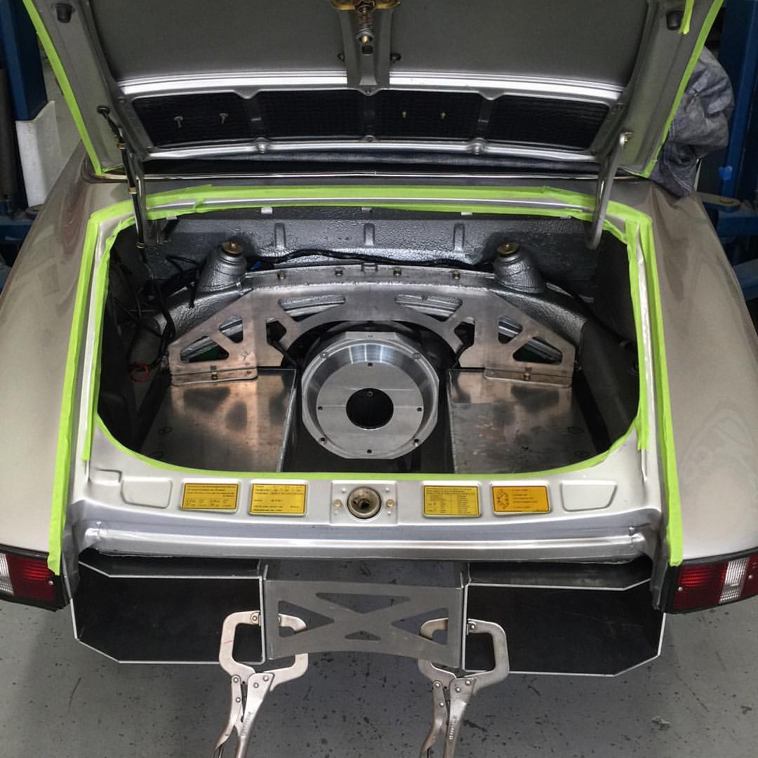 Electric Porsche 911 – Engine Swap Depot