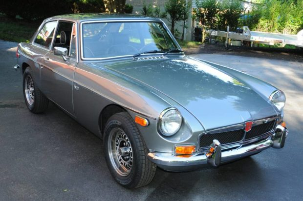 MGB GT with a 4.2 L Rover V8