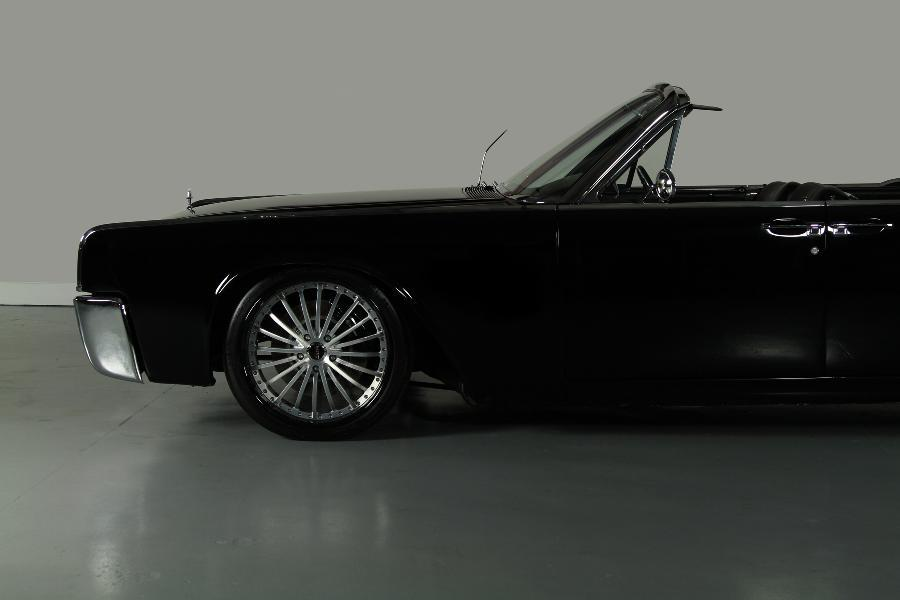 1964 Lincoln Continental Convertible with a LS1 ndash Engine