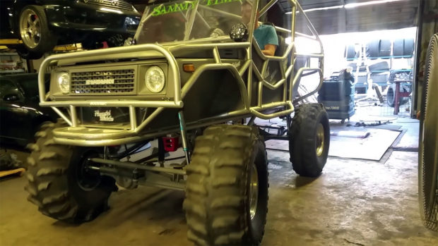 Custom Suzuki Samurai with a 2.0 L SR20DET