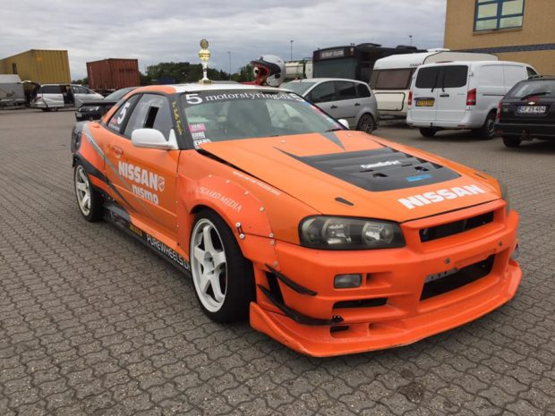 Nissan R34 with a Viper V10
