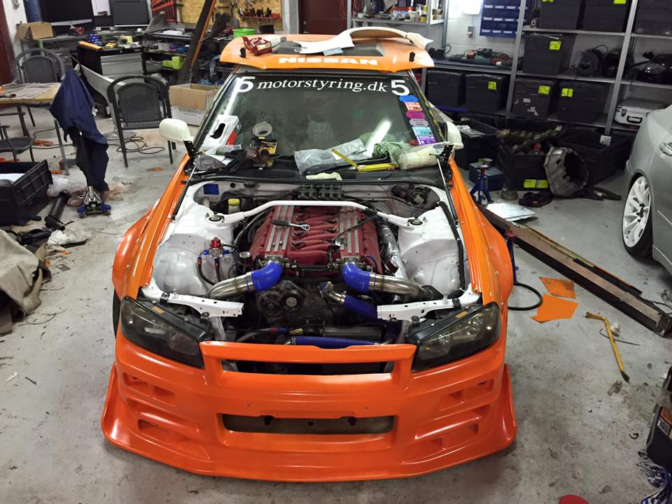 Nissan R34 with a Viper V10 – Engine Swap Depot
