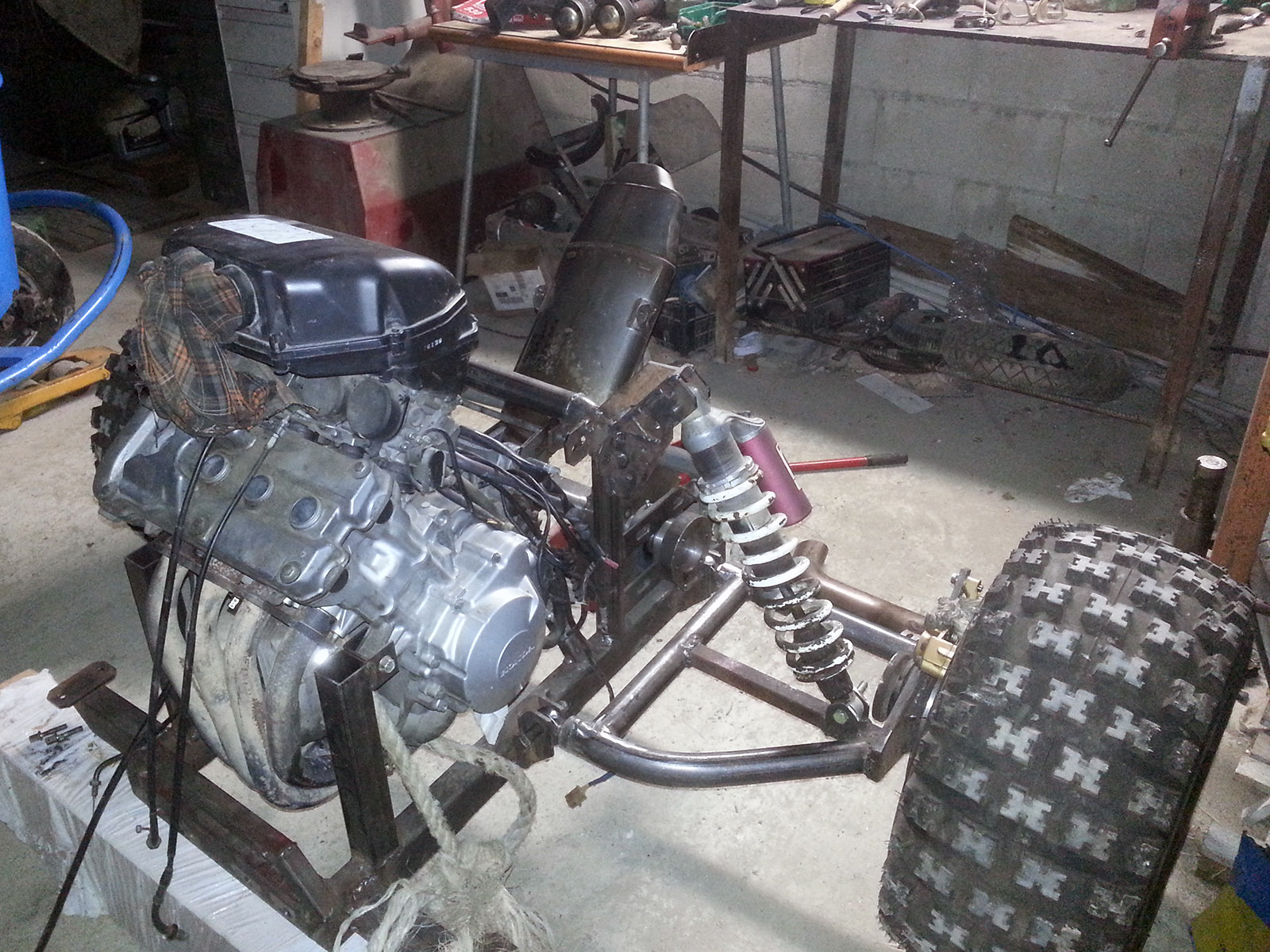 Piaggio Ape 50 with a Honda CBR600 Inline-Four – Engine Swap Depot
