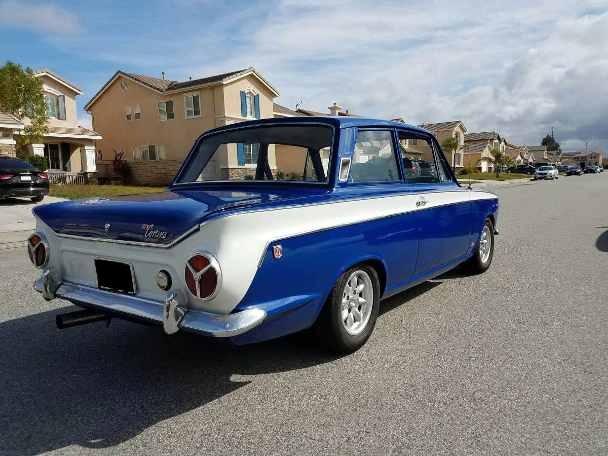For Sale: 1966 Ford Cortina with a 302 V8 – Engine Swap Depot