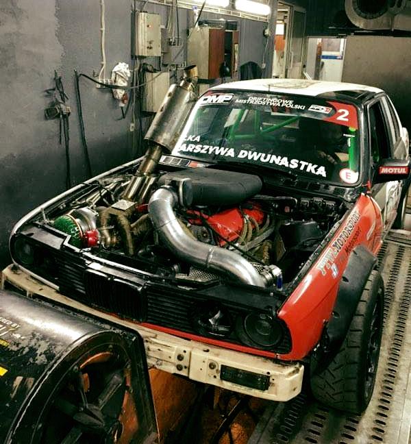 BMW E30 with a turbo M73B54 V12